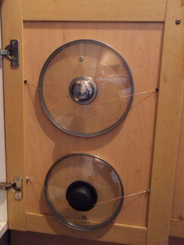 Ideas para ordenar las tapas en la cocina.