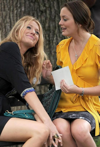 Blake Lively and Leighton Meester - Page 6 Cute-blake-and-leighton-picture_562x828