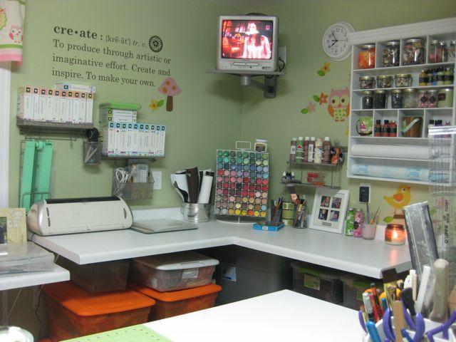 Cricket Craft Room: The Little Green Bean: De-Cluttering The Craft Room