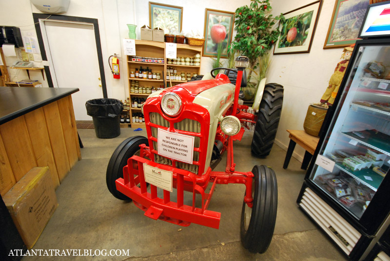 Mercer Orchards country store