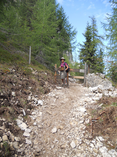 Mom, heading the Rifugio Vincenza