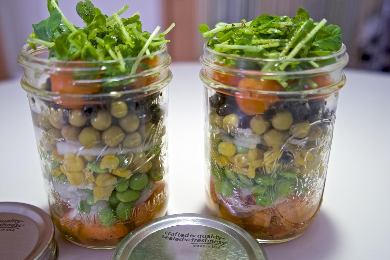 固い野菜から順番に重ねていきます