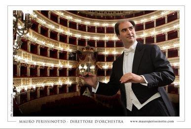 Il maestro Mauro Perissinotto, direttore dell'Orchestra Filarmonica Segattini (fonte: wwww.mauroperissinotto.com)
