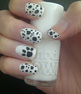DalmatianBlack and white Nails