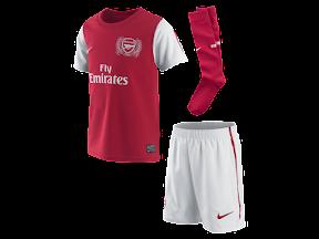 Voetbaltenues en shirts van Arsenal