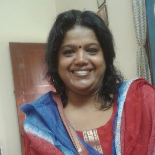 Sudha Iyer Photo 14