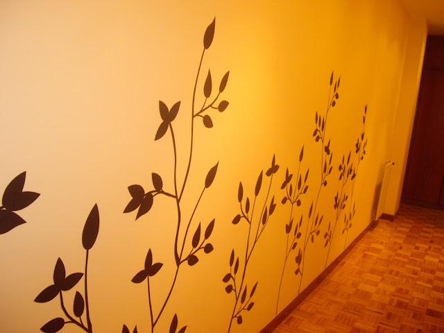 Decoraci n retro amarillo gris decor obsesi n for Que color para un pasillo largo y oscuro