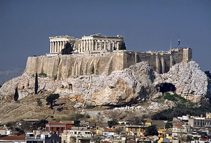 Heritage: Falling rocks from the Acropolis raise alarm bells