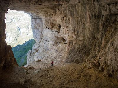 Interior de la immensa Cova de l'Aire
