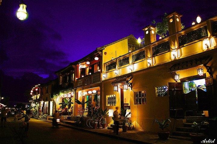 Hoi An by night - vietnam