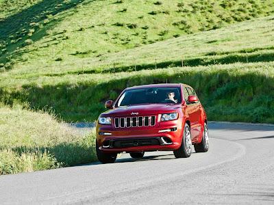 Jeep-Grand_Cherokee_SRT8_2012_1600x1200_Front_Angle_04