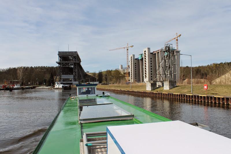 Mit dem Dampfer durch das Schiffshebewerk Niederfinow