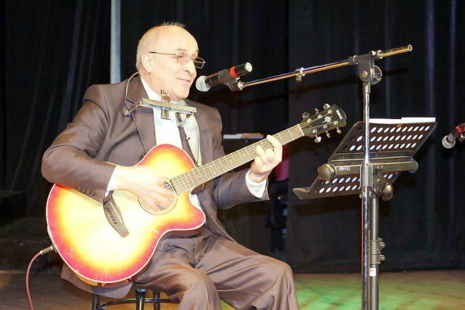 В Нефтеюганском районе поздравили с юбилеем заслуженного работника культуры России