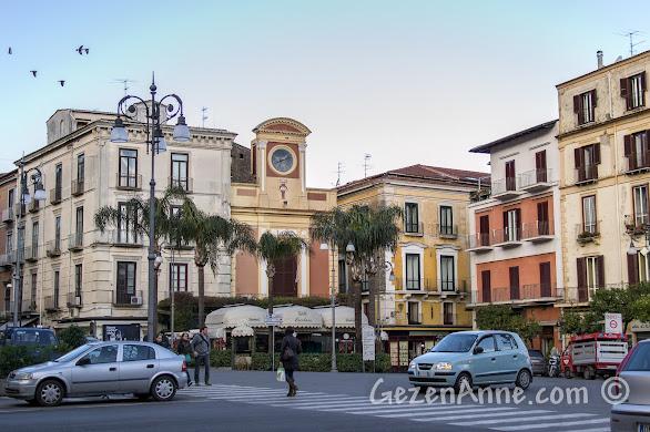 Sorrento'nun ana meydanı Piazza Tasso