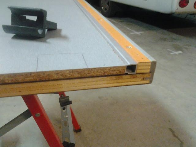 Brico hacer extensible la mesa del salon autocaravanas - Como hacer una mesa baja de salon ...