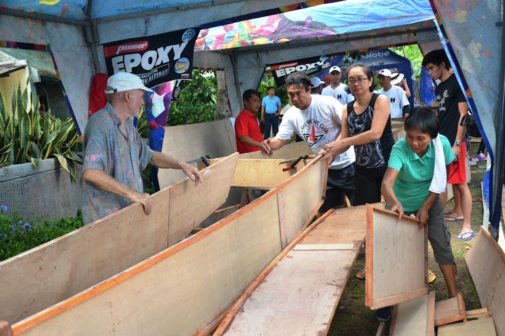 GLOBE SPONSORED INDEPENDENCE DAY BOAT BUILDING WEEKEND AT PUSOD TLCC IN MATAAS NA KAHOY, BATANGAS.