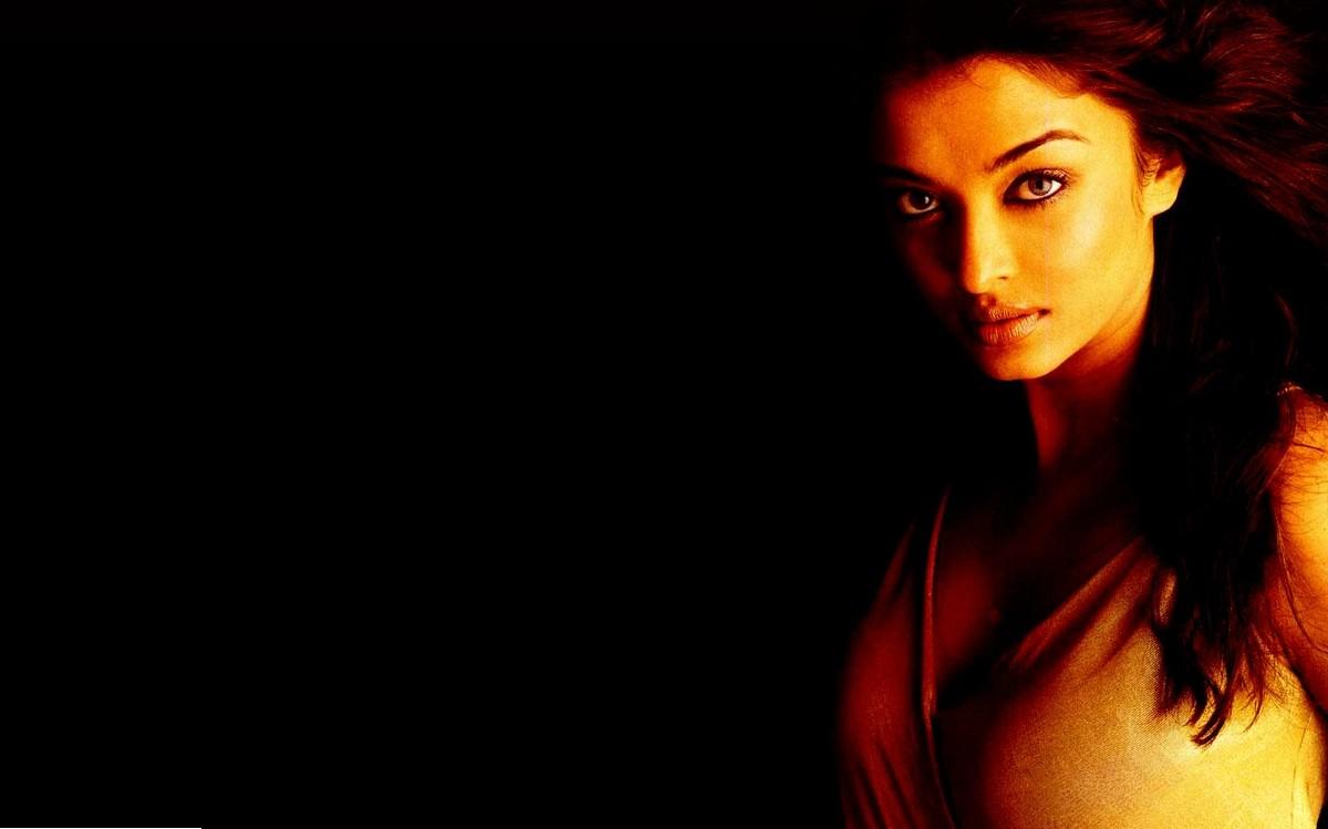 Aishwarya Rai-Bachchan Wallpaper 2