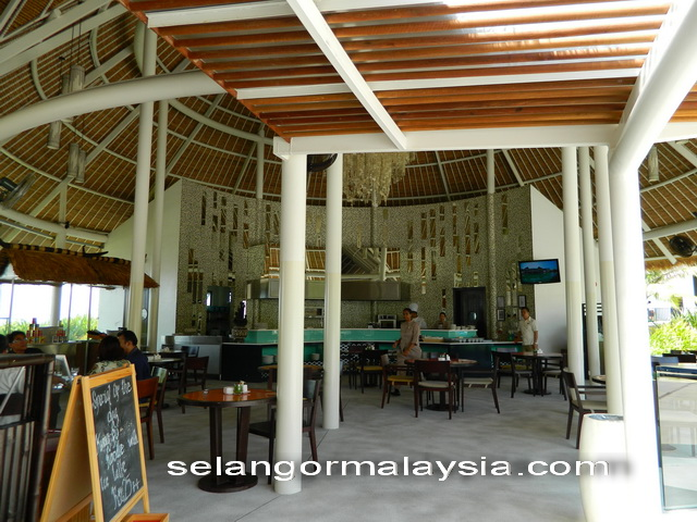 Sepoi Sepoi Cafe Golden Palm Tree Resort
