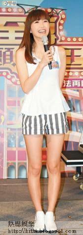 吳若希出席活動時風騷晒腿,大談對戀愛的憧憬。