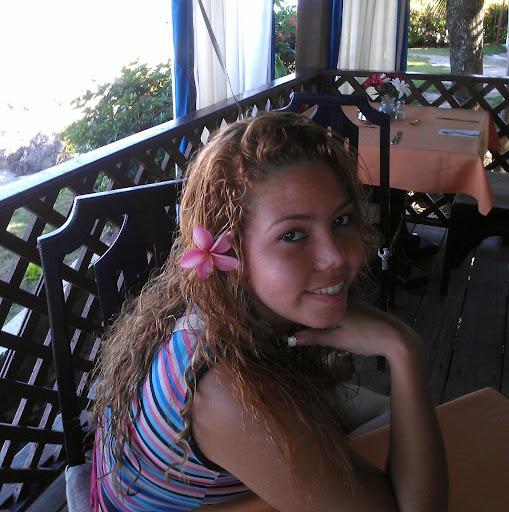 Melina Vazquez Photo 16
