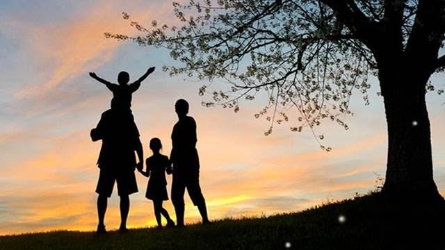 Xin phép, cám ơn và xin lỗi là ba từ giúp duy trì hạnh phúc gia đình