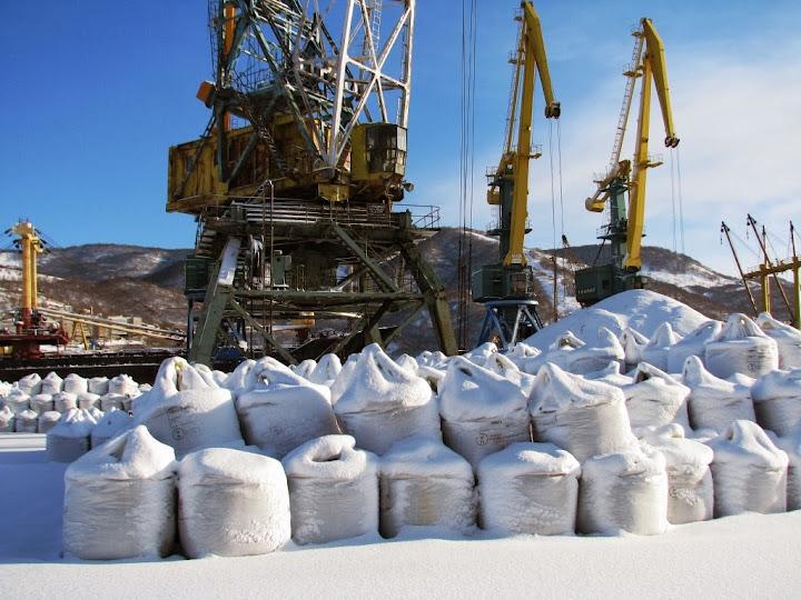 Камчатская медно-никелевая руда Шанучского месторождения дожидается отправки в металлоплавильные печи Китая
