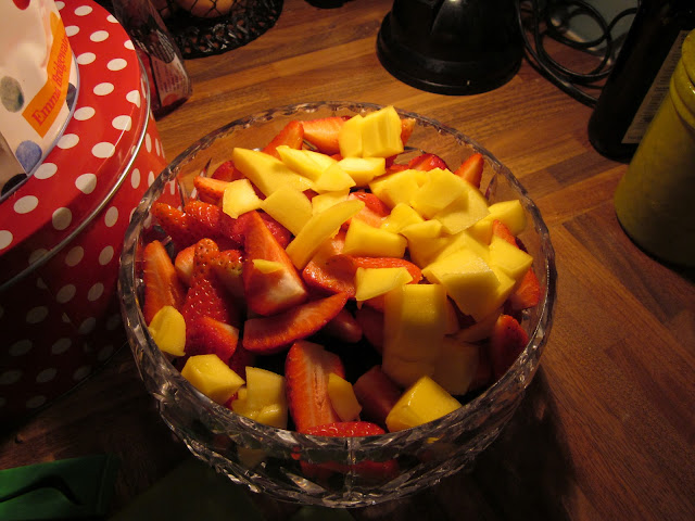 Mango and strawberry fruit salad