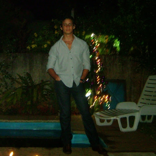 Gaston Fernandez