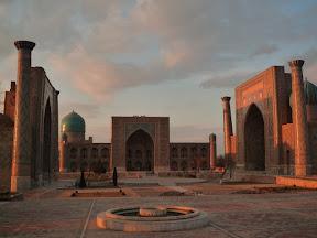 Atardecer en la Plaza Registán