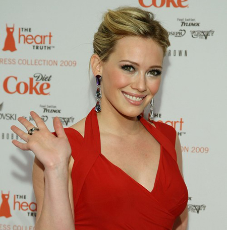 Hilary Duff Is A Lady In Red:celebrities,Best,dress for girls,find a girl,fashion girl0