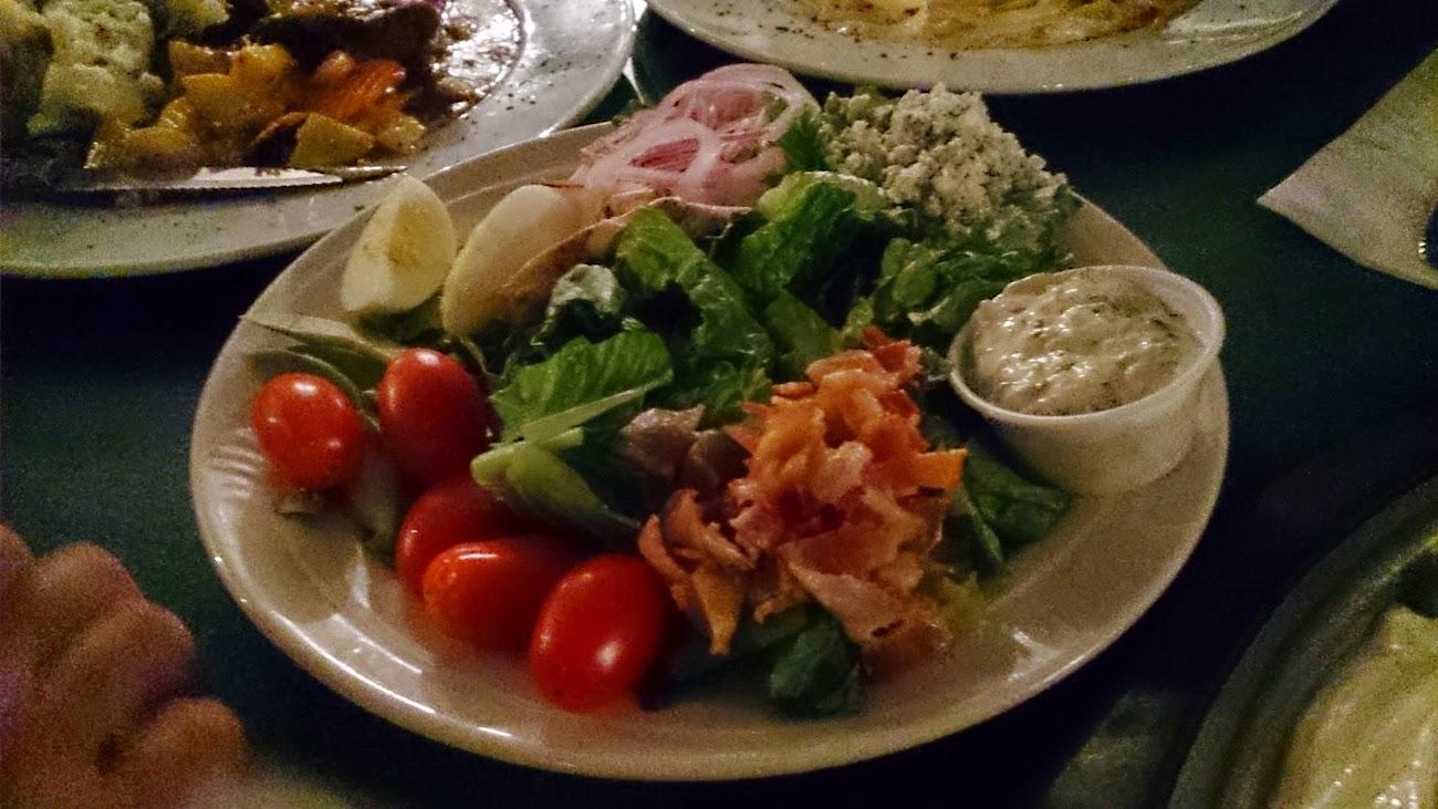 沙拉好吃。那是藍紋乳酪。