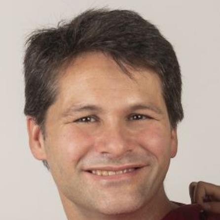 Oscar Tena