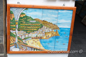 çiniden Amalfi manzarası