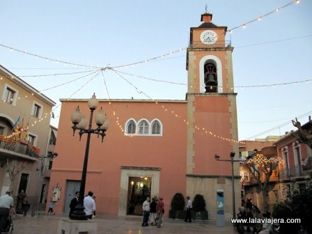 Iglesia de El Campello en la Plaza Canalejas