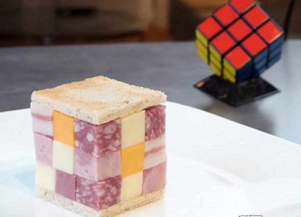 Sándwich con forma de cubo Rubik