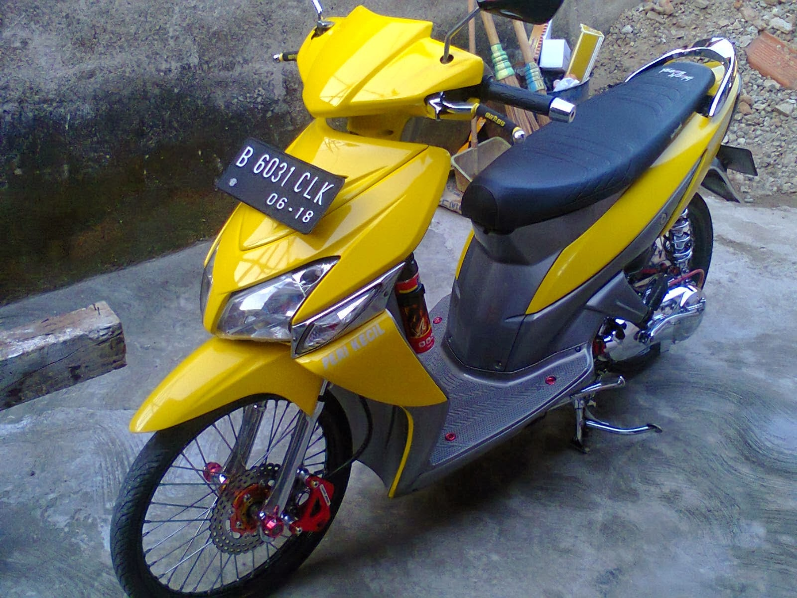 Gambar Modifikasi Motor Vario Velg 17 Terunik Earth Modification