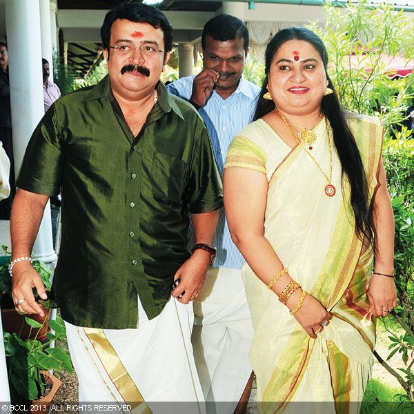 Saikumar and Bindu Panicker arrive to attend the wedding ceremony of Vinu Mohan and Vidyalakshmi, held in Kochi.