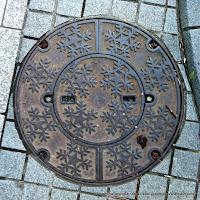 札幌市デザインマンホール親子蓋:雪の結晶