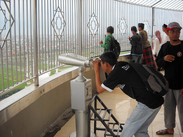See Semarang city in the Tele Lens (at Tower Al Husna)