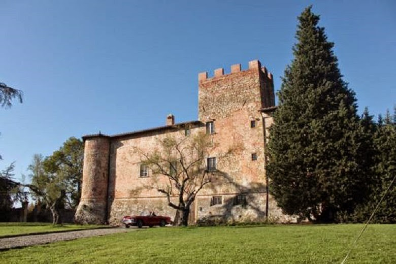 Italy: Taxes and costs, 70 Italian castles on sale