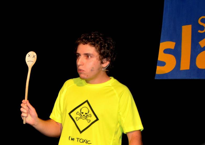 Lukáš Mikulů pri prezentácii svojho výskumu. Foto: Annamária Ondrejková