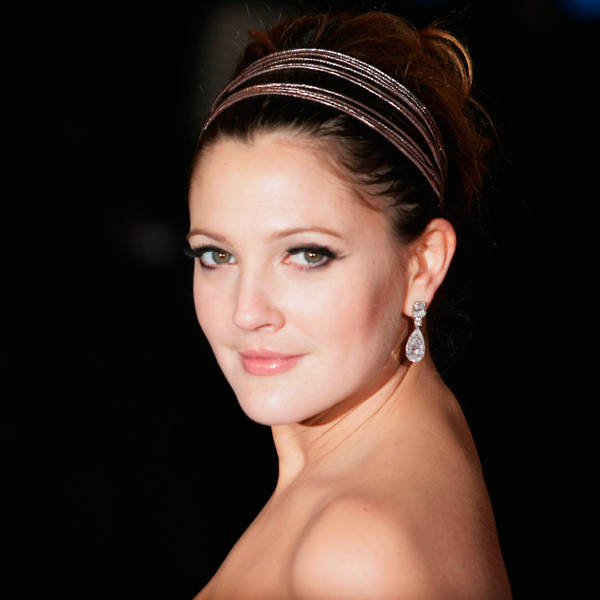 Drew Barrymore: American actress Drew Barrymore was engaged to Leland Hayward at a very young age before calling it quits. Since then, Drew has been in relationship with Jamie Walters, Jeremy Thomas, Tom Green, Fabrizio Moretti, Will Kopelman.