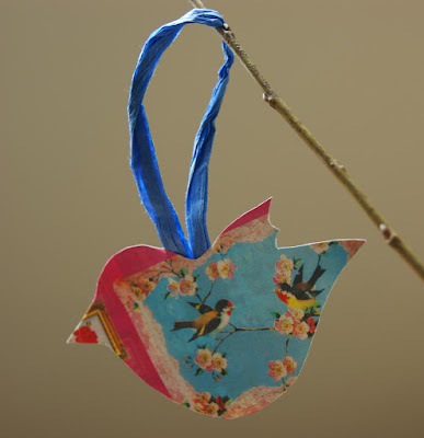 upcycling: frühlingshafte Dekovögel aus Altpapier
