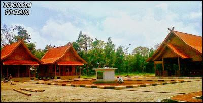 Pembangunan Rumah Pemangku Adat