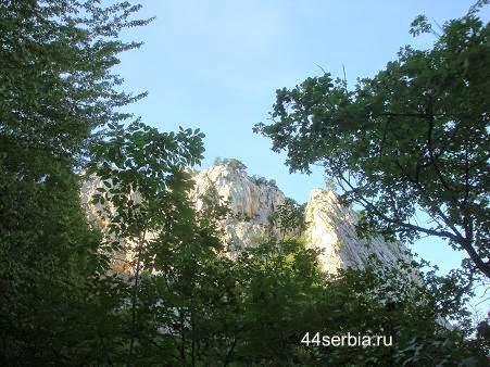 Белые скалы в Сербии