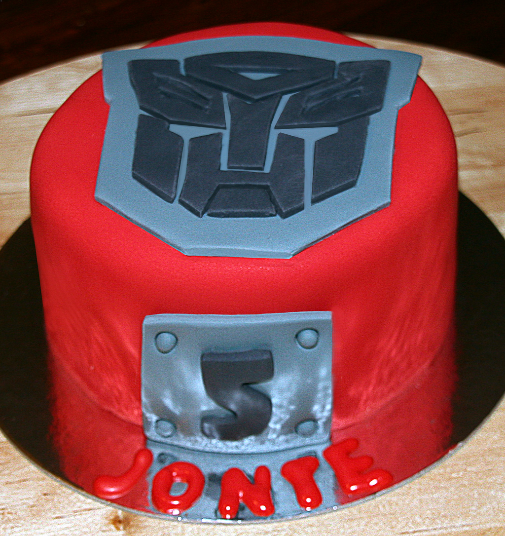 Transformers Cake Tutorial Cake Cupcakes and Cookies