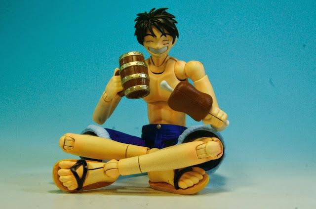 Mô hình bao gồm cả thức ăn và đồ uống dành cho Luffy