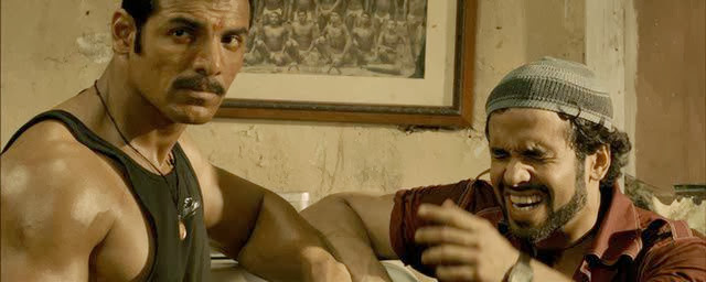 Screen Shot Of Hindi Movie Shootout at Wadala (2013) Download And Watch Online Free at alldownloads4u.com