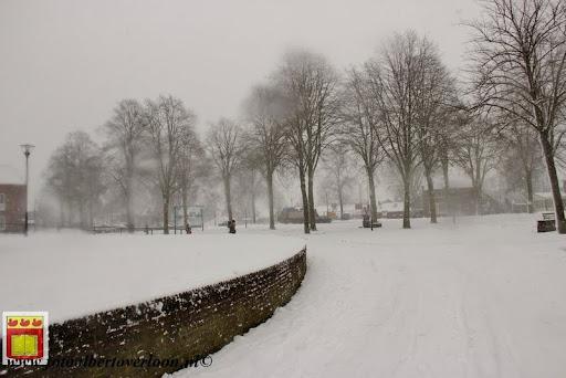 eerste sneeuwval in overloon 07-12-2012  (43).JPG