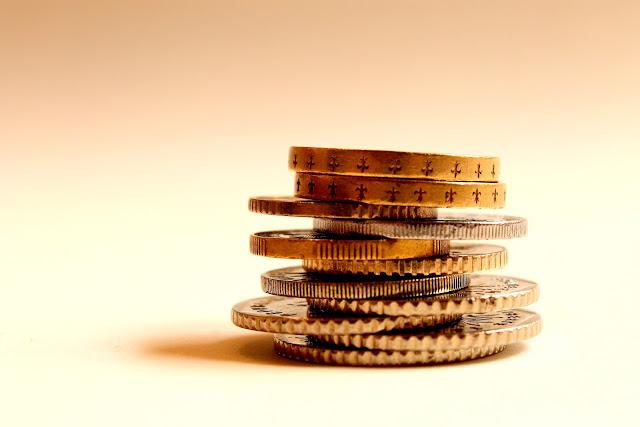 moedas empilhadas - stacked coins